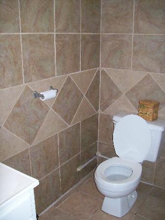 Sunspree Resort Ltd.: Suite bathroom