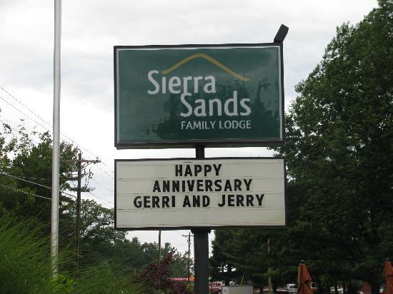 Sierra Sands Family Lodge: What a surprise!