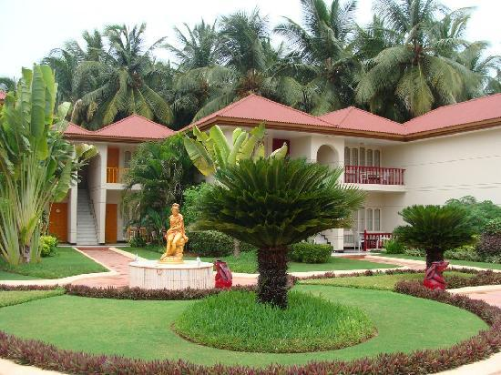 Radhika Beach Resort: Outside View