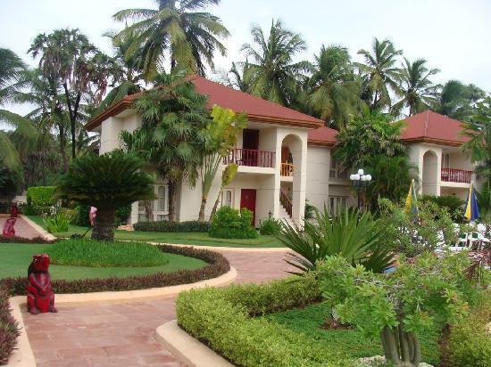 Radhika Beach Resort: Resprt pics.
