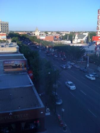 Varscona Hotel on Whyte: evening starts on whyte ave ..our view