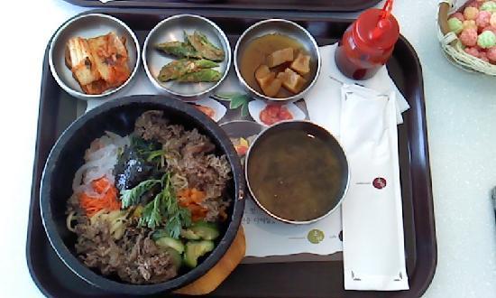 Cultural Complex J-Bug : レストランの食事