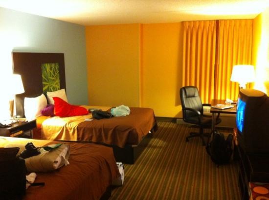 Super 8 By Wyndham Mount Laurel One Room 2 Beds