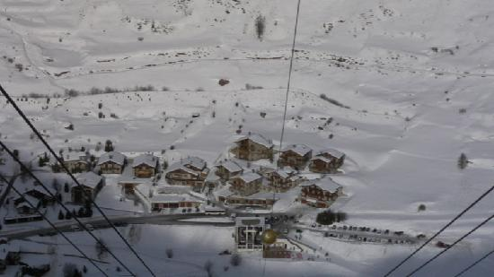 Le Samovar Hotel & Chalets : Free bus service if you want to venture further.