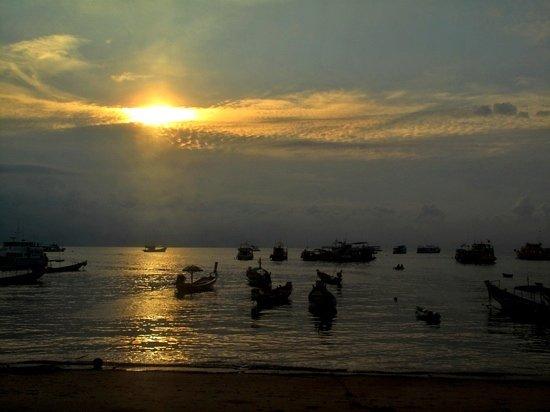 Impian Divers : beautiful sunset at impian dive centre
