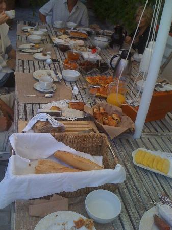 Le Mas de Mougins: A delicious breakfast-brunch spread served by the pool table-d'hôte style