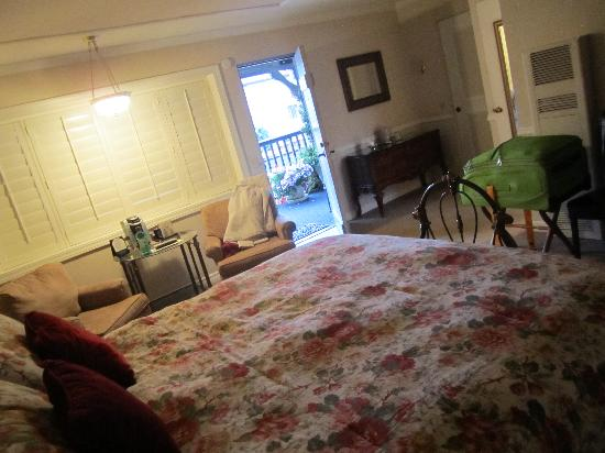 Coachman's Inn, A Four Sisters Inn : Bedroom