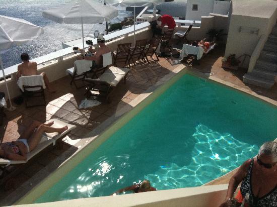 Villa Ilias Caldera Hotel: pool area