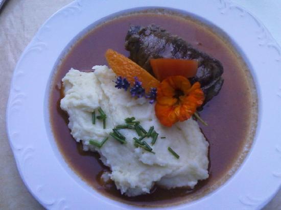 Moor & Mehr - BIO Kur-Hotel Bad Kohlgrub: vom hofeigenen Ochsen: köstliche Rouladen!