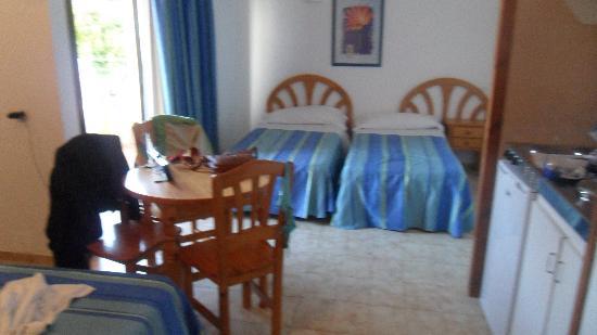 Mar i Vent Apartments : Rummet