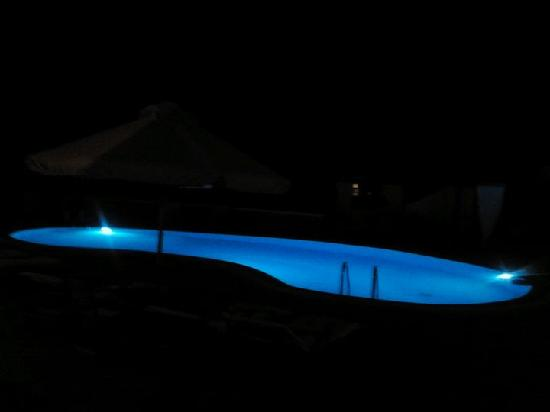 Hotel Jason: Pool at Night Time