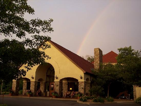 Potawatomi Inn and Conference Center: Potawatomi Inn Rainbow