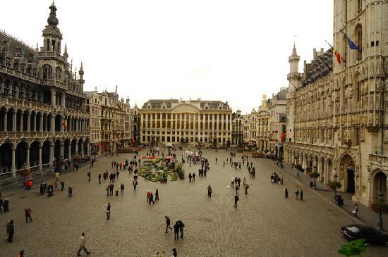 La Maison des Maitres Chocolatiers Belges: view