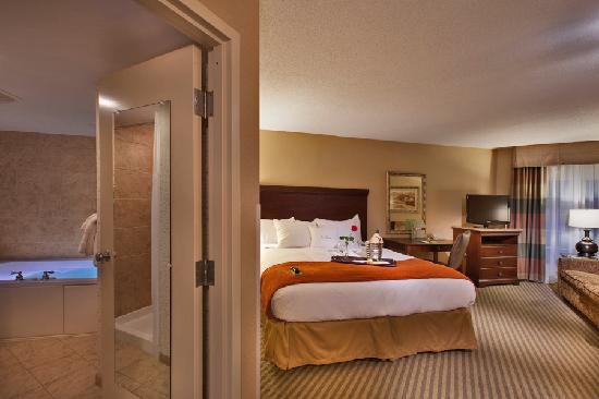 DoubleTree Resort by Hilton Hotel Lancaster: The romantic honeymoon suite featuring an in room Jacuzzi and king bed
