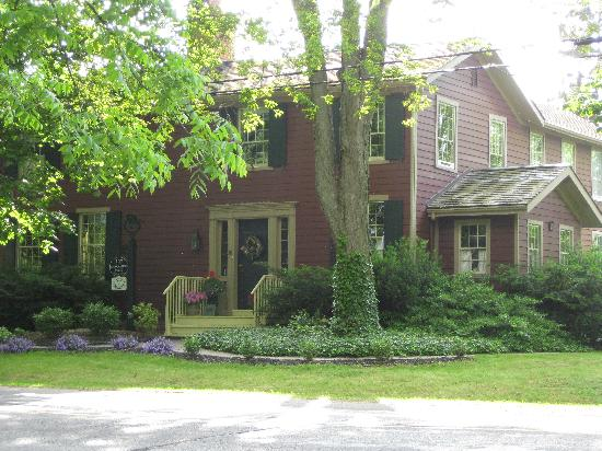 Schoolmaster's House Bed and Breakfast: great location