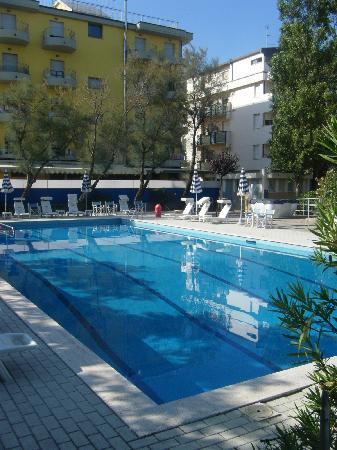 Hotel Britannia: piscina