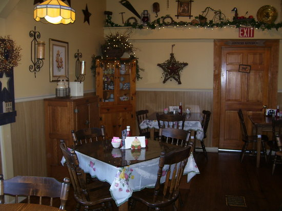 Patti's Pantry: country charm dining room