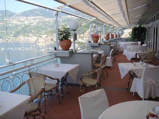 Terrazza ristorante - Picture of Hotel Club Due Torri, Maiori ...