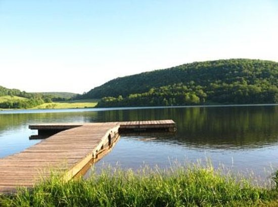 Fort Hill, PA: Fishing dock at Deer Valley