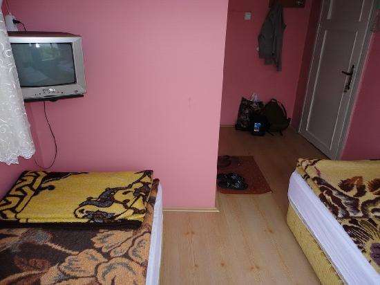 Otel Cinar: My room