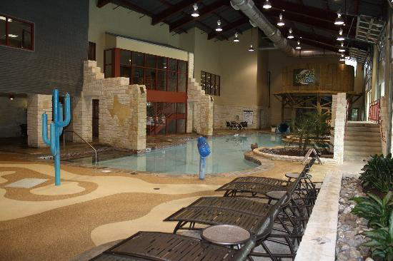 Entrance picture of hyatt residence club san antonio for Pool show san antonio