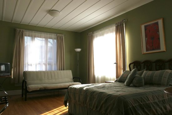 Acacias Bed & Breakfast : Room no.1 with queen-size bed and sofa-bed