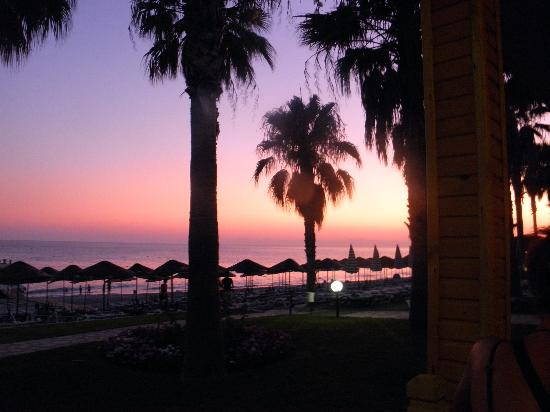 Meryan Hotel: coucher de soleil
