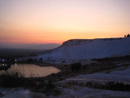 Pamukkale Thermal Pools: the incredible Pamukkale in all it's glory.