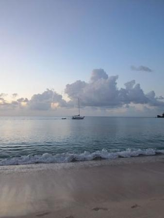 Galley Bay Resort: Beach @ Sunset