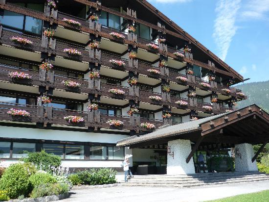 Hotel Kaysers Tirolresort: das Hotel von vorne