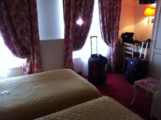 Hotel de l'Esperance : our room, paris