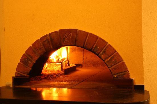 Ristorante Pizzeria Le Magnolie: Il forno a legna