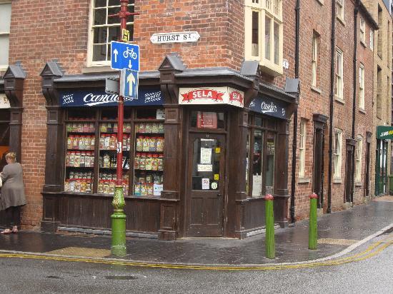 Birmingham Back to Backs: The sweet shop on the corner