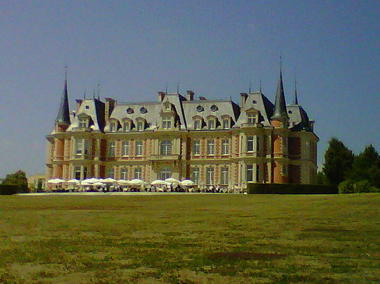 Les Fontaines : Il castello