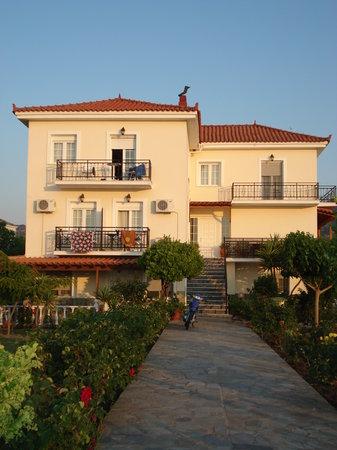 Villa Vicky Studios: Villa Vicky
