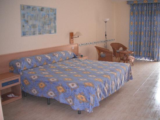 Hotel Coronas Playa: Room was huge