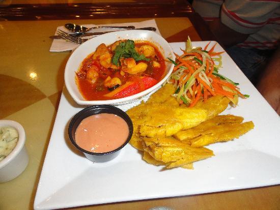 Courtyard Aguadilla: Comida rica
