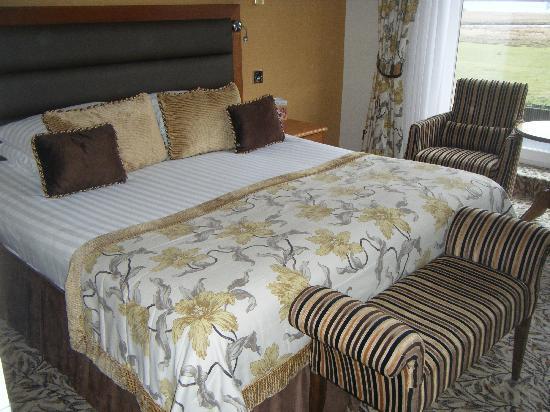 Lodore Falls Hotel: Room 105