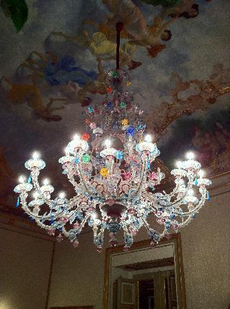 Palazzo Montevago: murano...