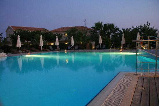Avithos Resort: Pool