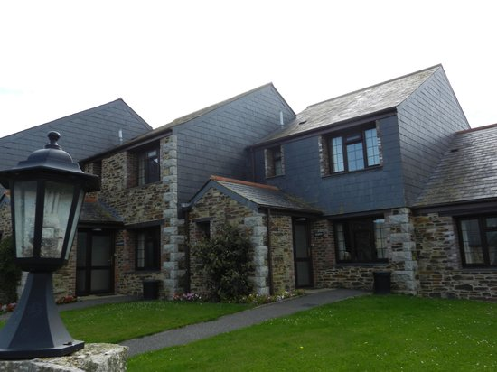 The Olde House: Outside