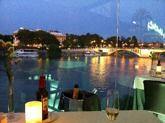 Hotel Casa 1800 Sevilla: Dinner at Abades Triana - night