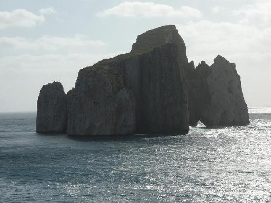 Iglesias, Italia: Affaciati sul mare, si vede quello che tutti chiamano il Pan di zucchero.
