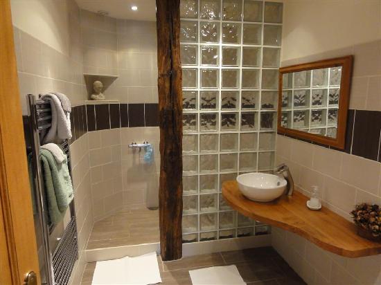 Salle d 39 eau chambre d 39 h tes convenant pennec photo de convenant pen - Salle d eau dans chambre ...