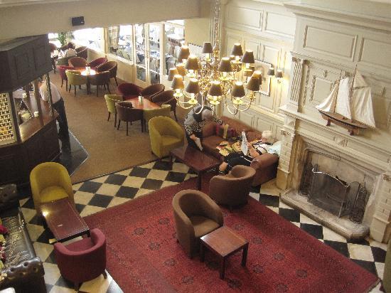The Ocean Hotel: Hotel Bar Lounge