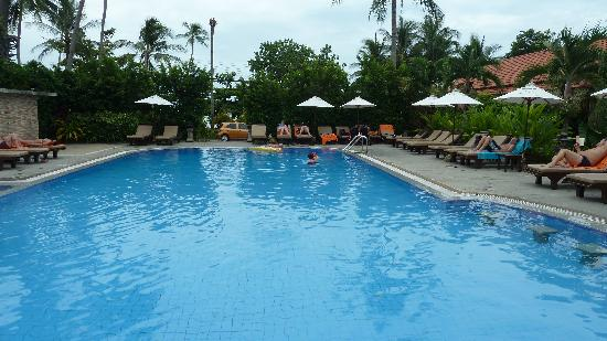 Smile House Resort: Large swimming pool