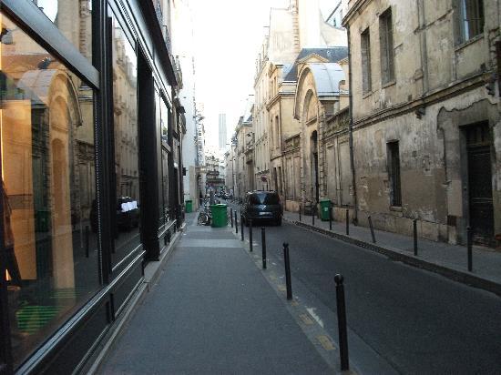 فندق سانت بيريز: Rue des Saints-Peres, c'est Paris