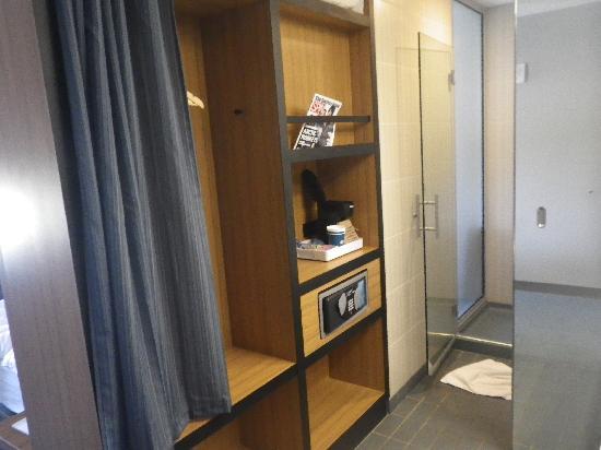 Aloft Bolingbrook: Bathroom 2