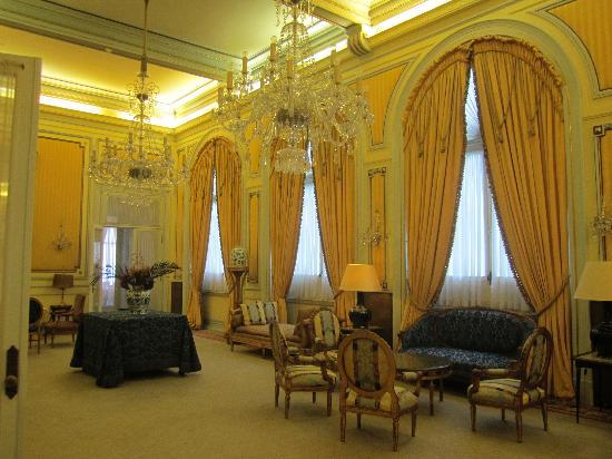 Hotel Avenida Palace: Second Floor Salon