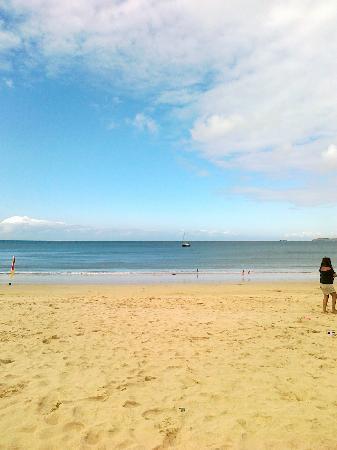 Tolroy Manor Holiday Park: The beach near Hayle